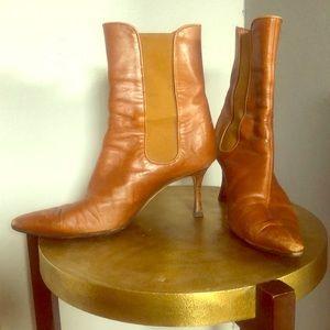 Manolo Blahnik brown short boots size 38.5